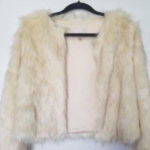 532802d600 Skies are Blue Faux Fur Jacket in Cream